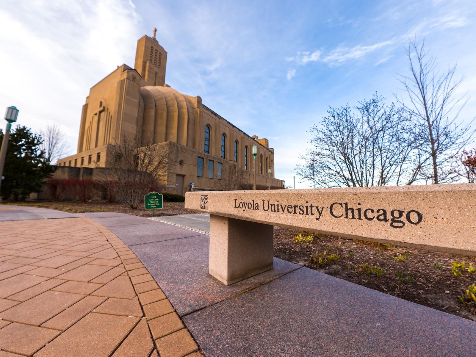 Loyola u chicago dating